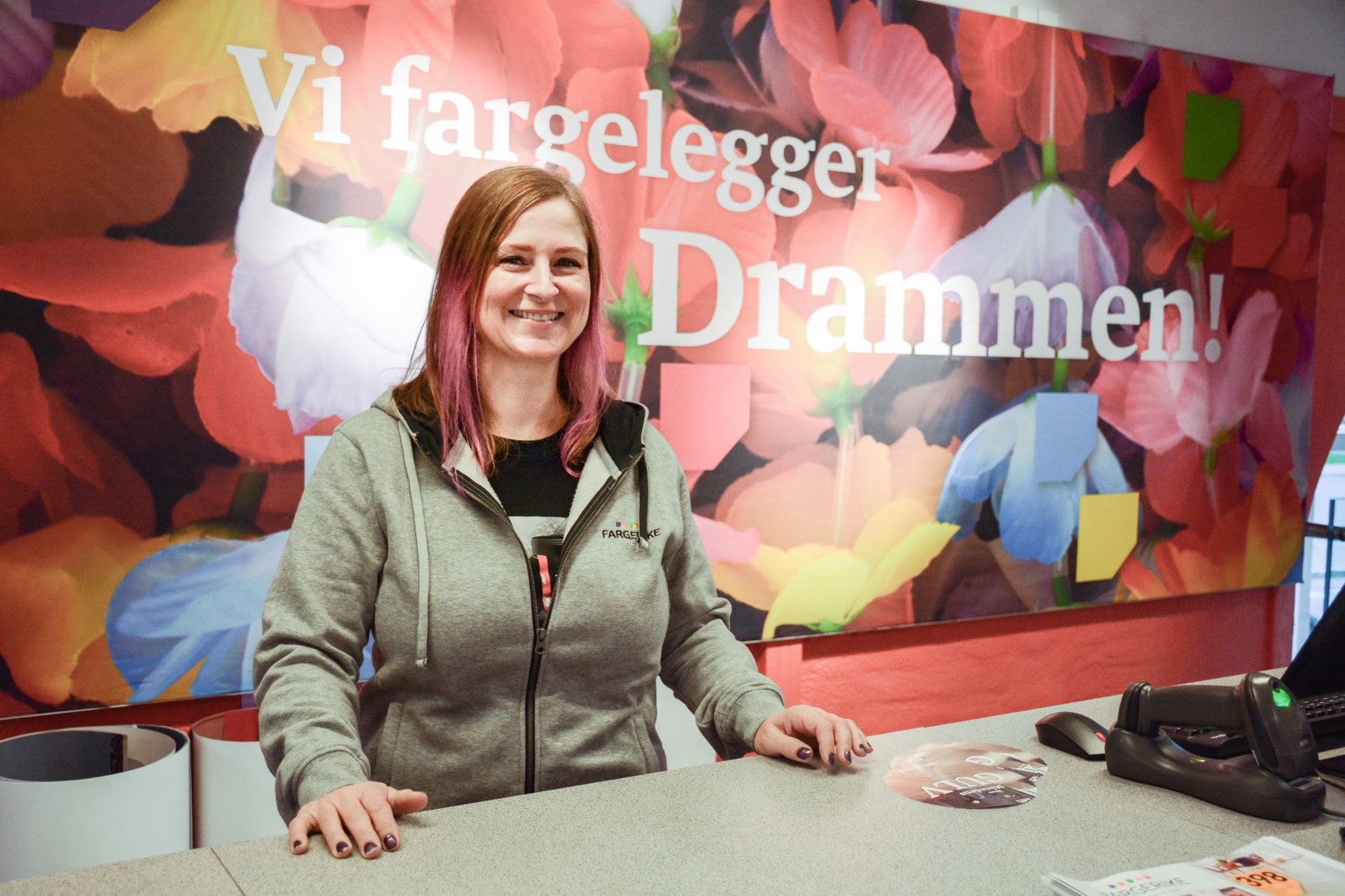 Lothe Motzfeldt fargelegger Drammen