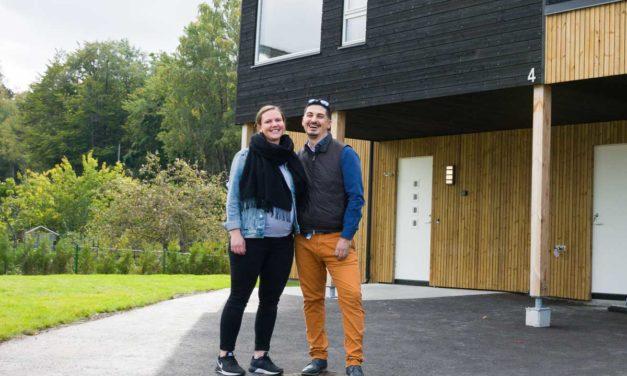 Fra Oslo til Lillejordet: Amir og Tina starter en ny tilværelse i ny enebolig i Larvik